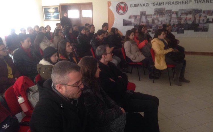 Projekti i Institutit për informimin e gjimnazeve me të shkuarën komuniste u zhvillua në gjimnazin Sami Frashëri në kryeqytet